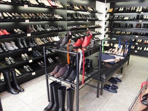 ホソノ靴店2店内1
