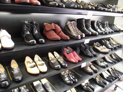 ホソノ靴店3店内2