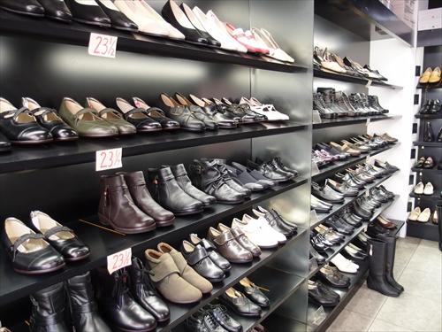 ホソノ靴店4店内3